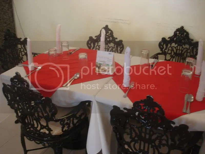 The tablecloths are changed after EVERY customer.