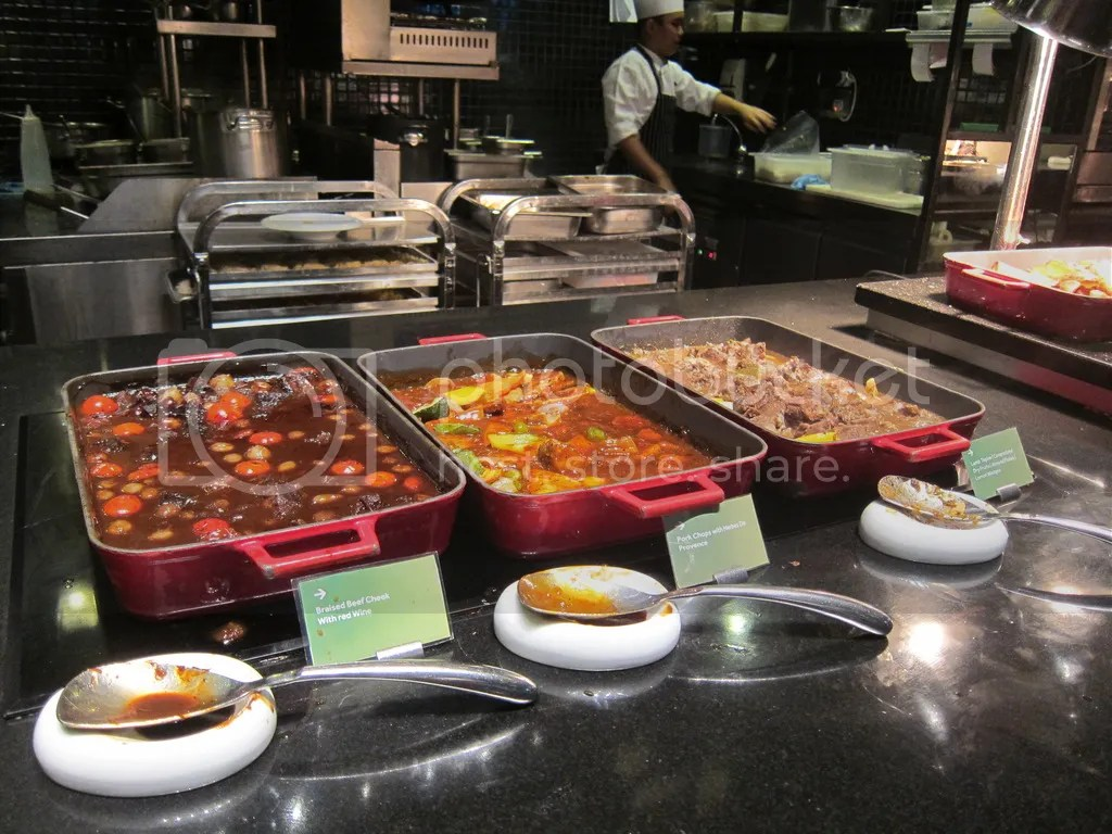 Lime Parkroyal Pickering Main Buffet Dishes