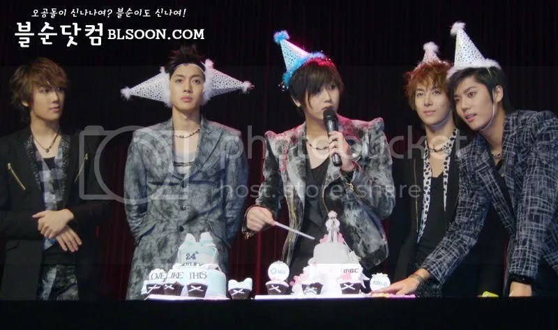 photo Heo-Young-Saeng-Birthday-ss501-12230507-800-473_zpscd2627a1.jpg