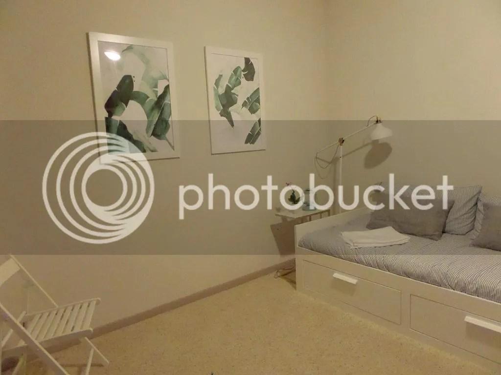 photo guestroom_zps850ad5a2.jpg