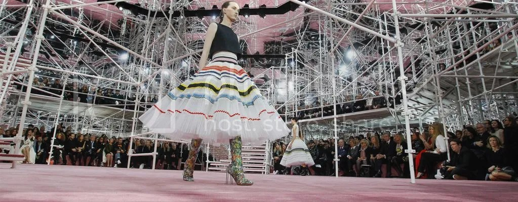 photo F-dior-spring-couture-2015-atmosphere-3_zpsfpachsre.jpg