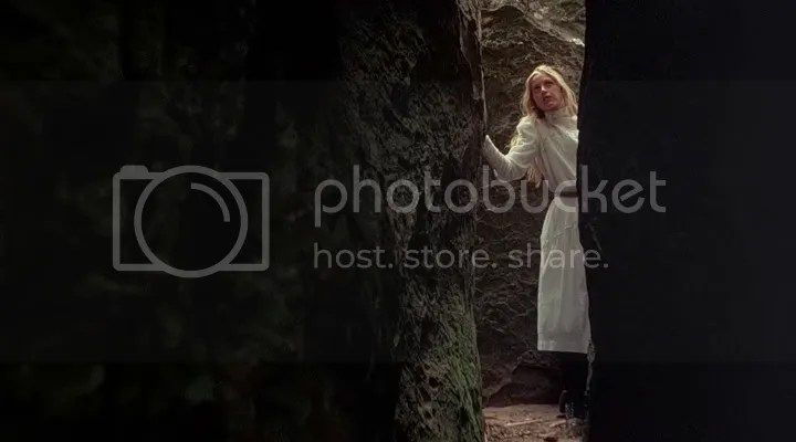 photo PicnicAtHangingRockDirectorsCut1975BRRipXviDAC3-VLiSaviStill007_zps91def190.png