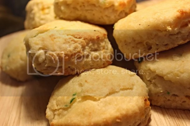 Jalapeno Cheddar Biscuits via Everyday Made Fresh