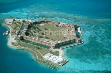 photo Fort-Jefferson_Dry-Tortugas_zpsv8s3gcsz.jpg