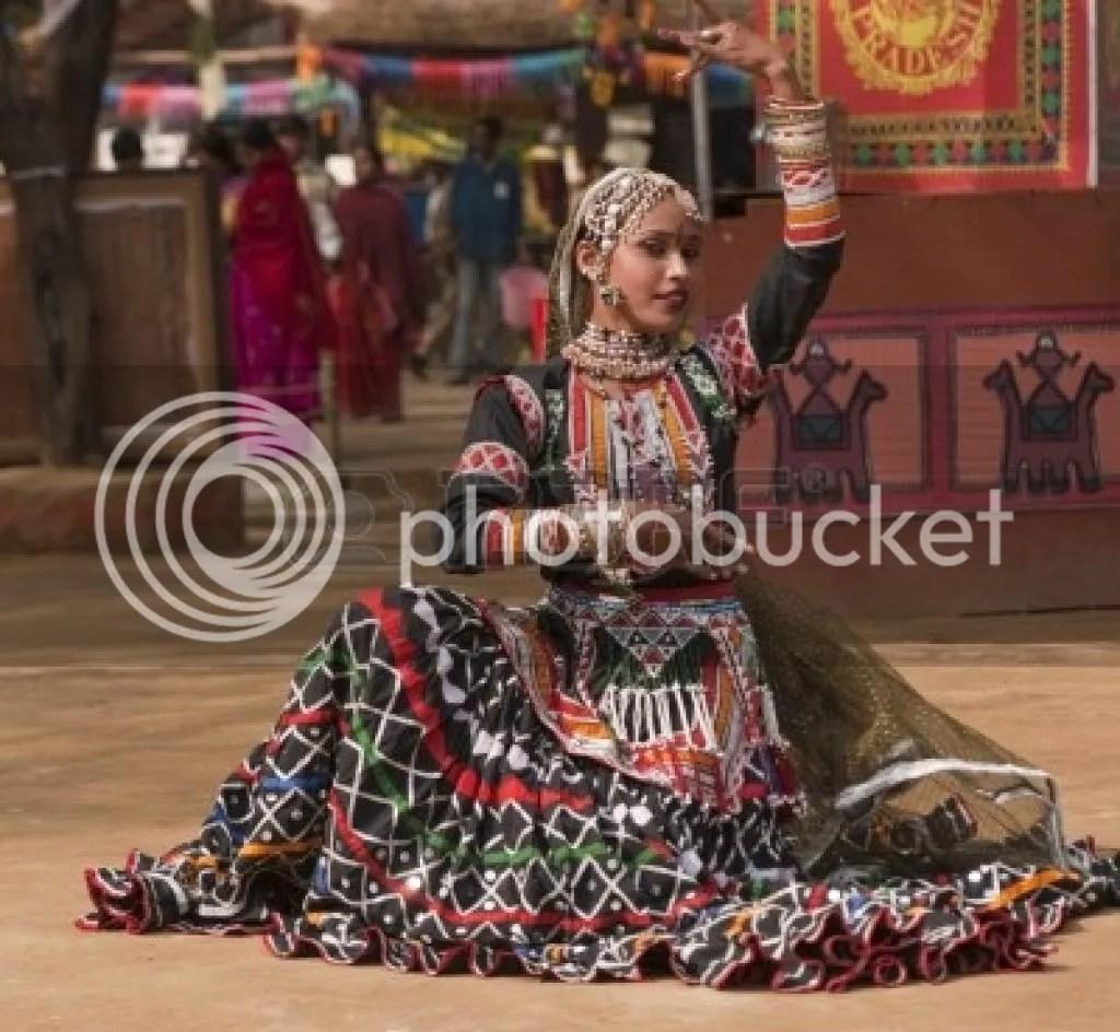 female-kalbelia-dancer