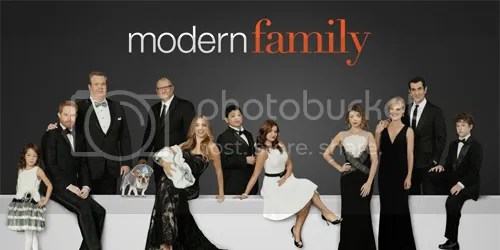 photo modernfamily_zps8b040f9f.jpg