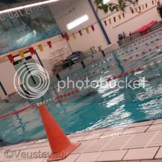Sporten is belangrijk met hypemobiliteit, onze dochter zwemt. Ondanks blijvend ziek zijn is het belangrijk in beweging te blijven!