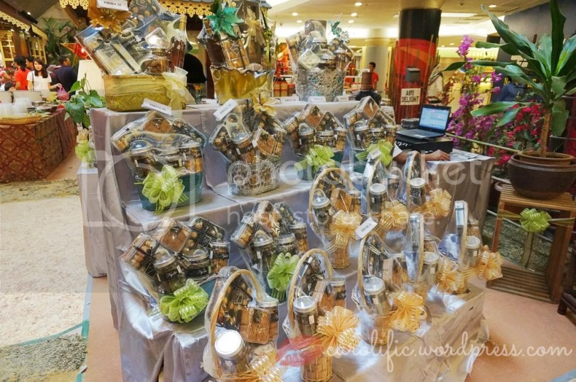 Hari Raya, Shopping, 1Utama, Shopping Mall, Where to Shop in Malaysia, Kuala Lumpur, Malaysia, Travel, Expat Life, Holidays in Malaysia, Eid al Fitr, Muslim Holiday, Islamic Holiday, Celebration, Festivities