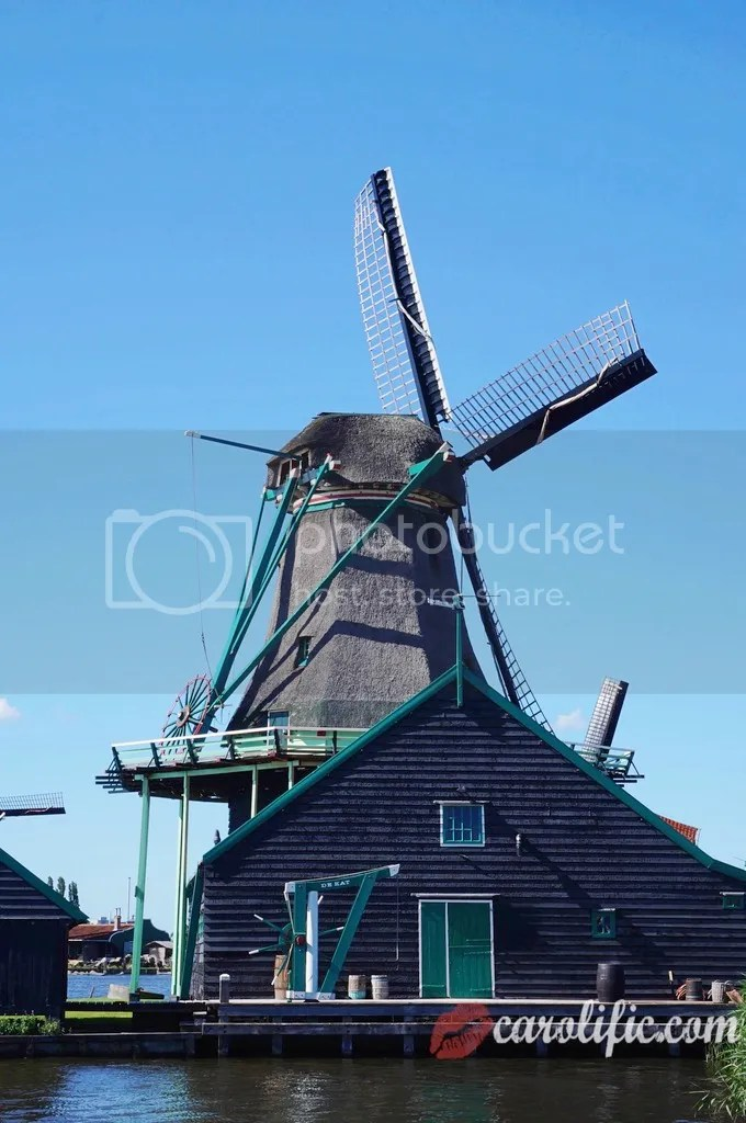 Travel, Amsterdam, The Netherlands, Zaanse Schans, Amsterdam Centraal, Where to Go, How to Go to Zaanse Schans, What to See, Sightseeing, Old Dutch Town, Windmills