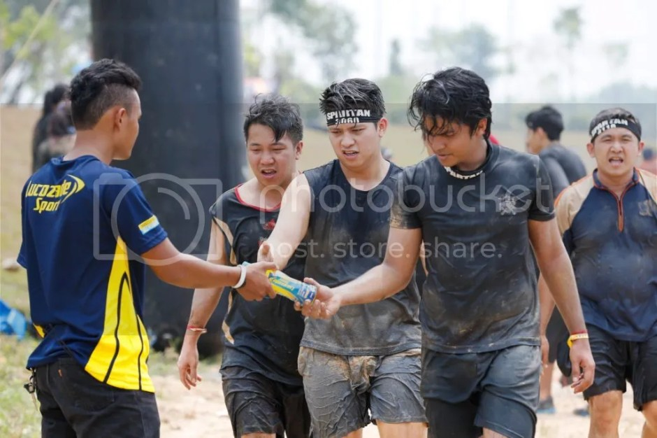 photo Participants of the Spartan Race hydrating with Lucozade Sport 1_zps0tjk5bbq.jpg