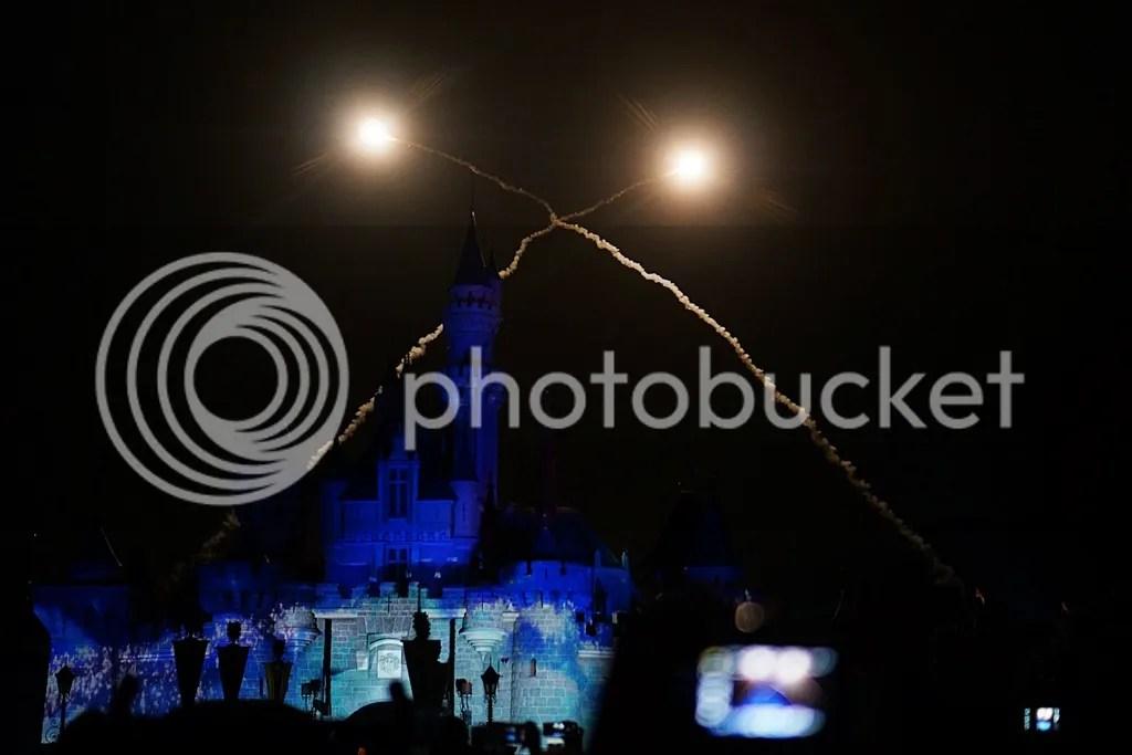 disneyland castle firework