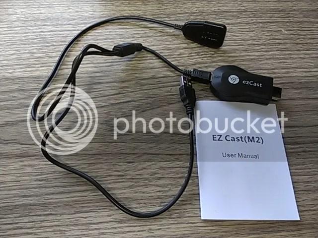 給電用USBケーブルはwifiアンテナも兼ねている模様