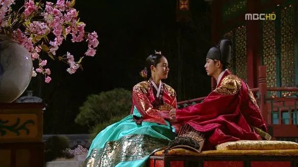 The Moon That Embraces the Sun: Series Review – Raine's