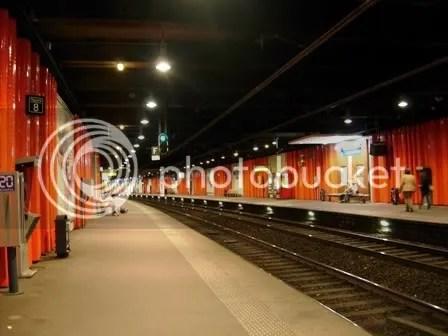 Dans une station de RER près de la Tour Eiffel - septembre 2006