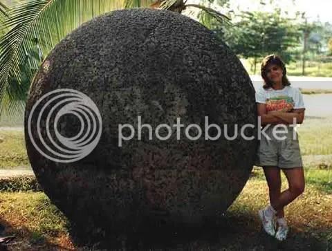batu raksasa costa rica