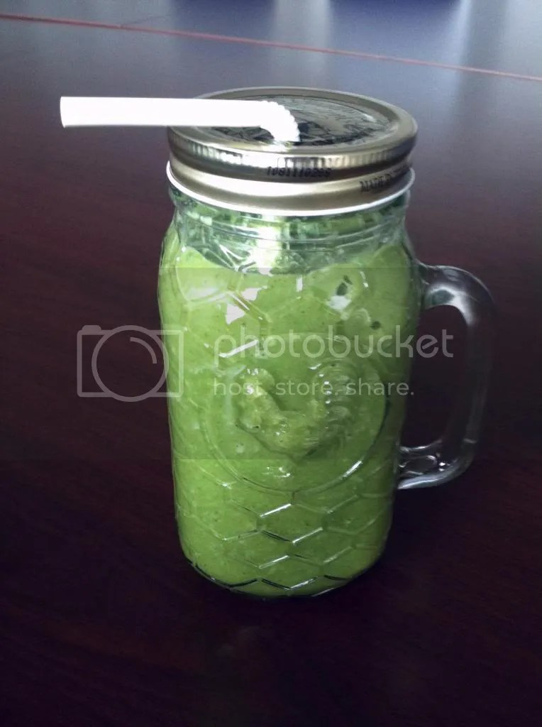 photo BroccoliSmoothie003_zps46f1dabb.jpg