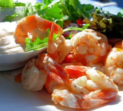 Old Bay Prawns/Shrimp in Wine with a  Spicy Creamy Dip