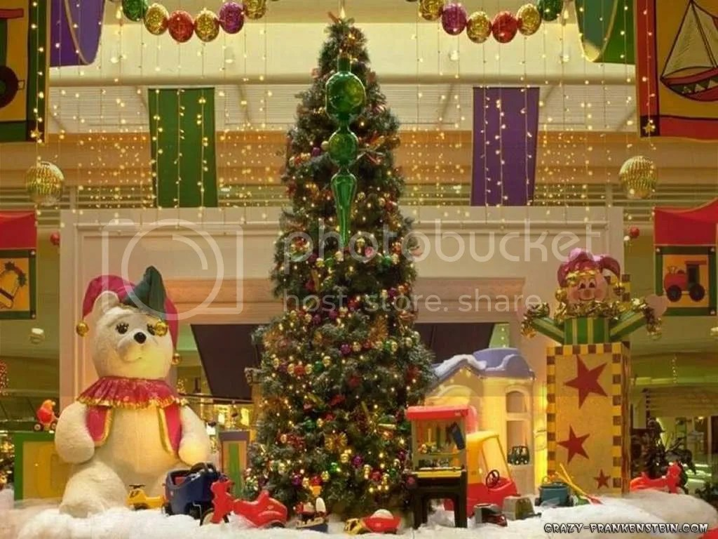 christmas-tree-and-gifts.jpg picture by romantik1109