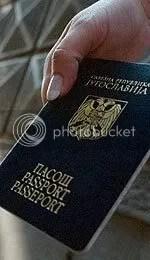 Glupi, plavi pasoš. . .