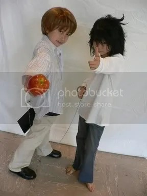 Kids Cosplaying Death Note