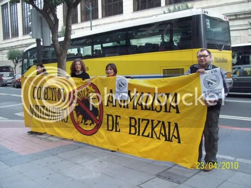 El CAAB (Colectivo Antitaurino y Animalista de Bizkaia) no va a parar hasta abolir la tortura de toros y el resto de formas de maltrato animal.