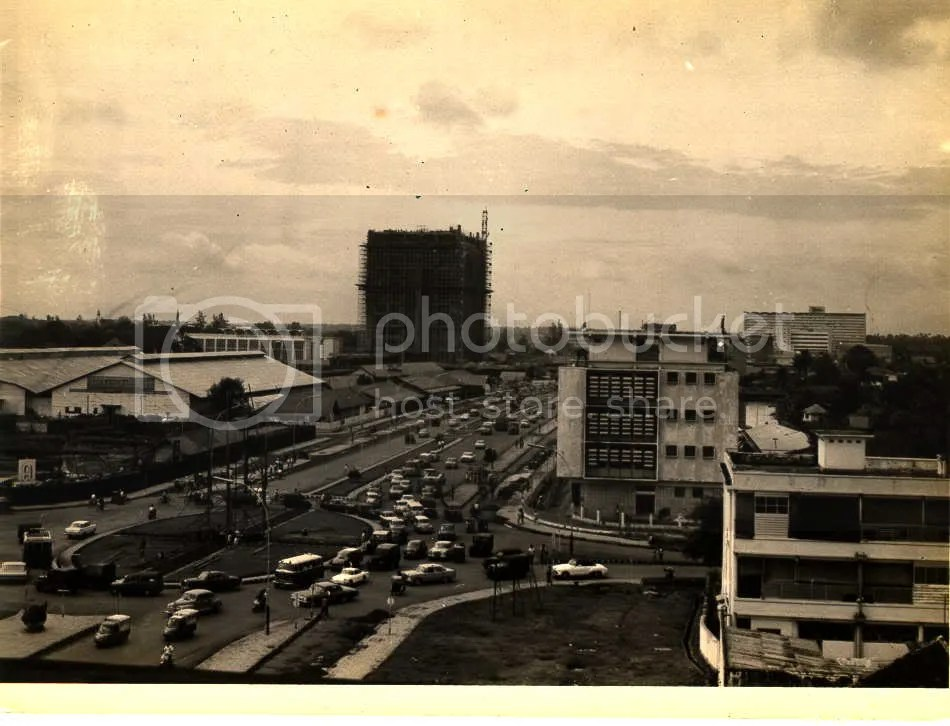 "//i16.photobucket.com/albums/b3/dave_win/jakarta%20tempo%20doeloe/1965thamrin.jpg"" cannot be displayed, because it contains errors."