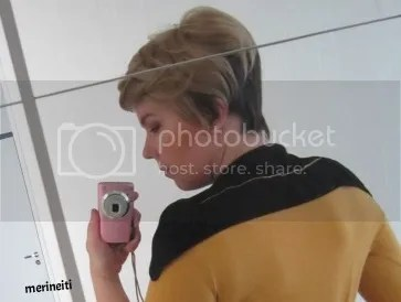simple easy star trek the next generation cosplay, just a mustard jersey, shoulder thing with merineiti pattern, wig off ebay and you got your Tasha Yar all ready to be finished by a blob of mämmi