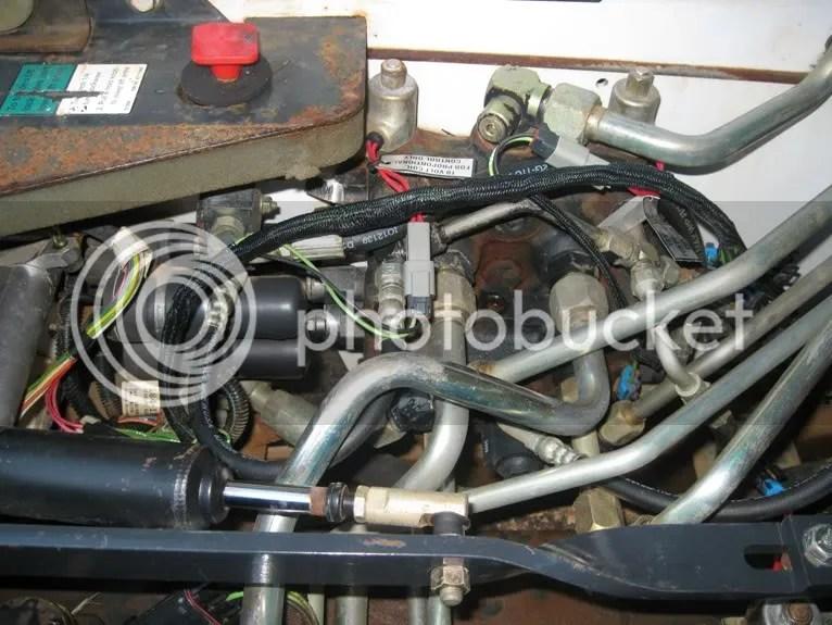 Bobcat 873 Hydraulic Control Valve