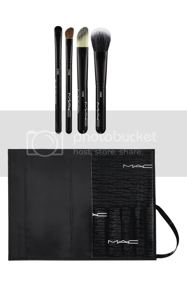 photo MAC-Look-in-a-Box-Advanced-Brush-Kit.jpg