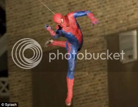 https://i1.wp.com/i174.photobucket.com/albums/w81/pumin_2007/spideynewharlemsetpics1.jpg