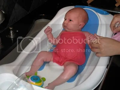 08.04.09 - Lilas first real bath