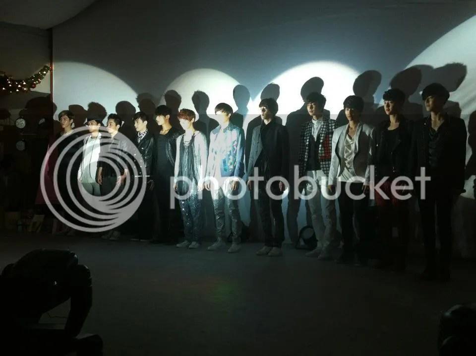 12 members of EXO