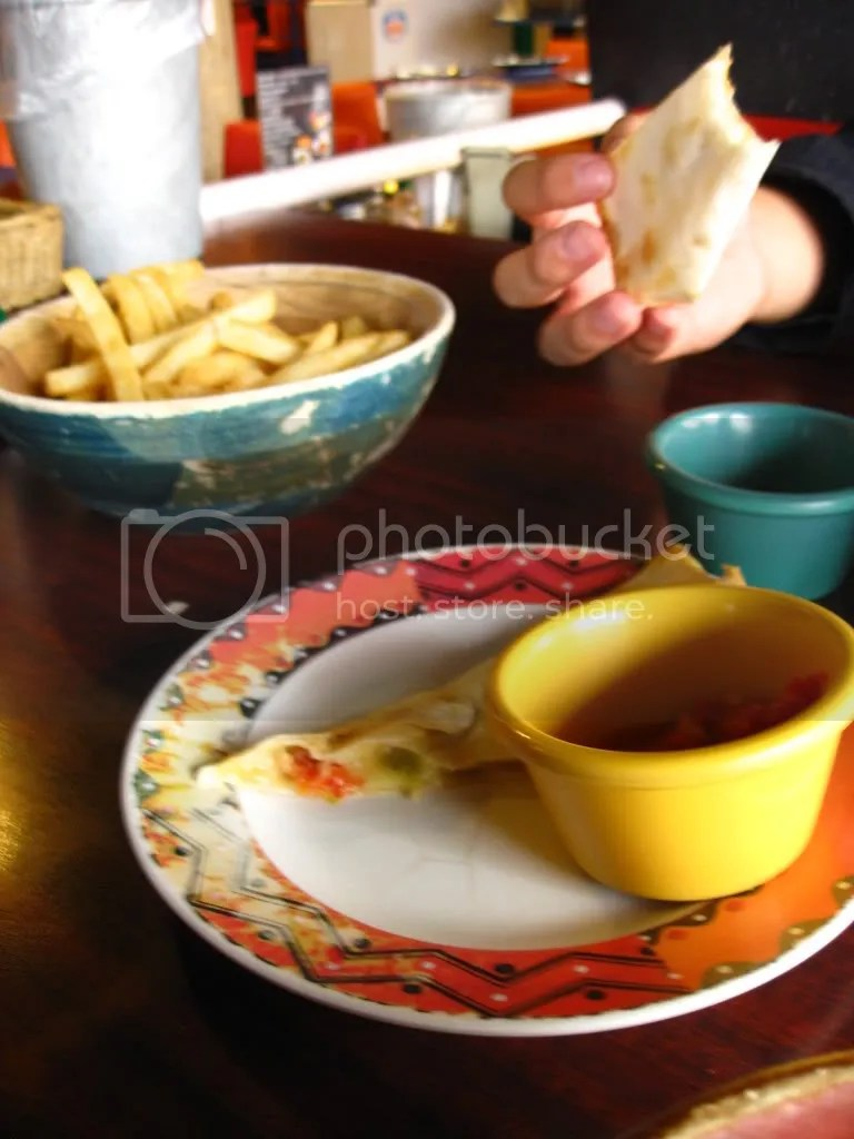 Then this bread dip.. and chips~
