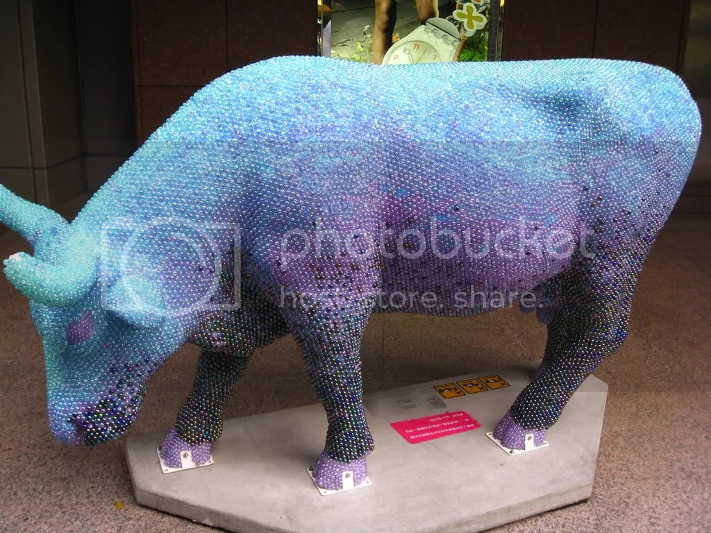A display that caught my eye - a cow/ox made of marble balls!!