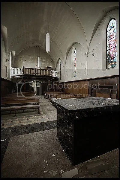 abandoned, architecture, belgique, belgium, decay, exploration, photography, urban, urban exploration, urbex, retirement, home, burn, burned, flames, chapel, agnus, dei
