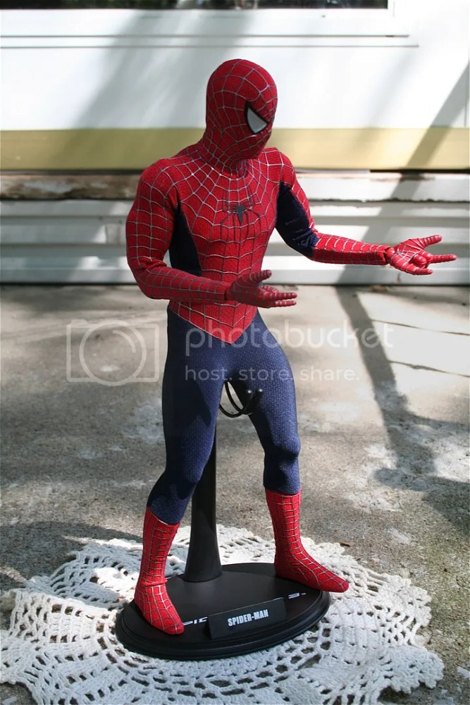 Hot Toys Spiderman 1:6th Figure Review (5/6)
