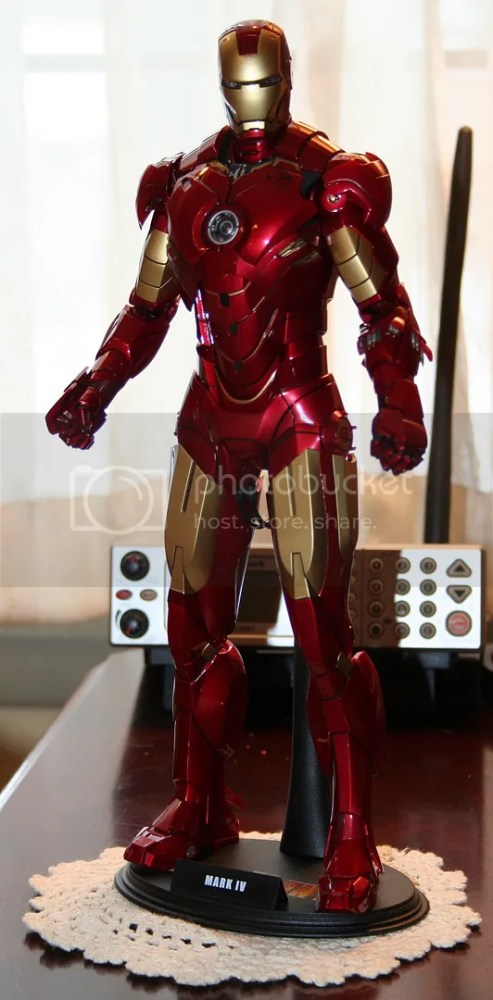 Hot Toys Iron Man Mark IV Figure Review (1/6)