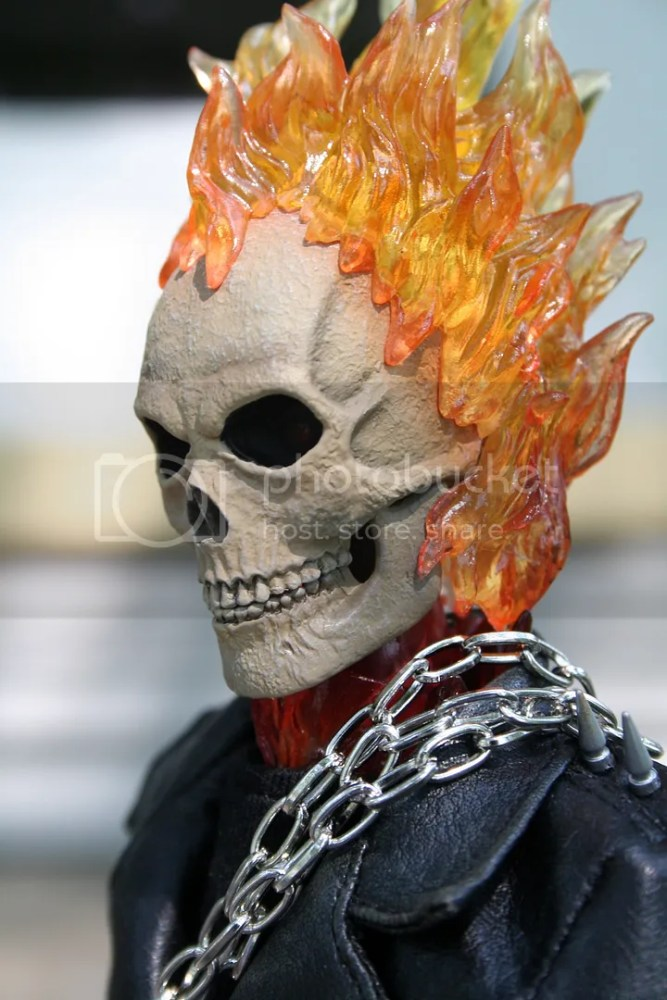 Hot Toys Ghost Rider 1:6th Figure Review (6/6)