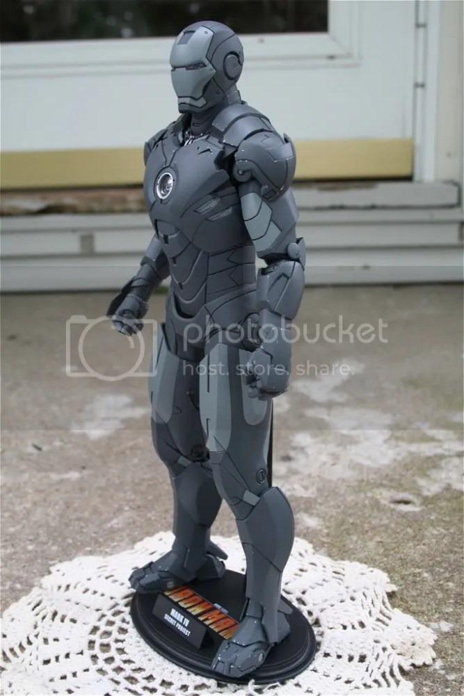 Hot Toys Iron Man 2 Mark IV Secret Project Comic-Con Exclusive (2/5)