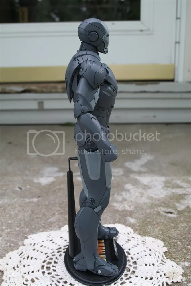 Hot Toys Iron Man 2 Mark IV Secret Project Comic-Con Exclusive (4/5)