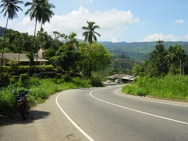 Road to Nuwara Eliya