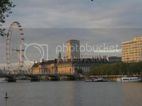Thames River & the London Eye photo 282983_10151073340761209_388563621_n.jpg