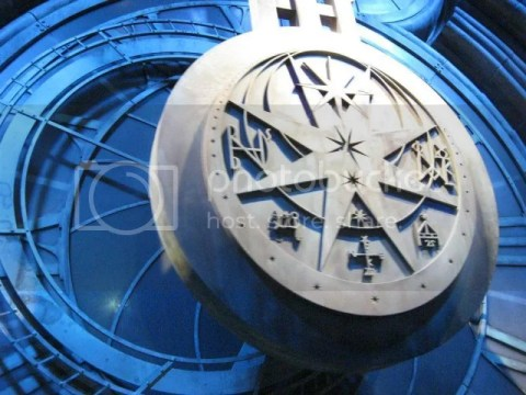 This is some clock which is in the background of some scenes in Hogwarts. I think there was a scene where Dumbledore is talking to harry. photo 182862_10151056670576209_283153586_n.jpg