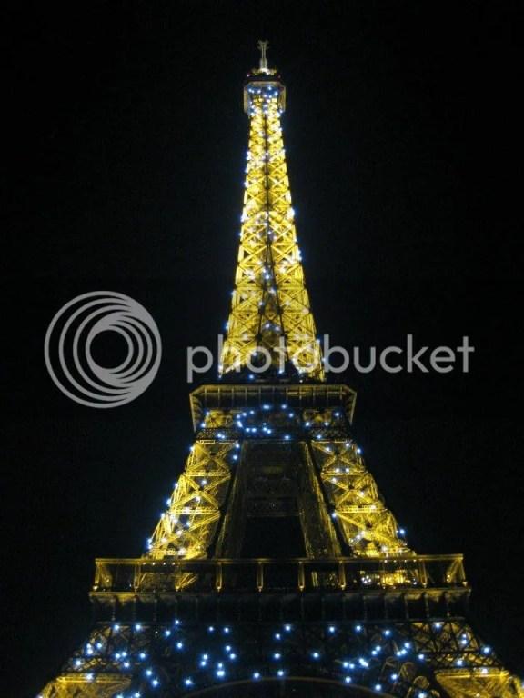With that, it was BYE BYE PARIS! photo 598950_10151088190661209_1570774091_n.jpg