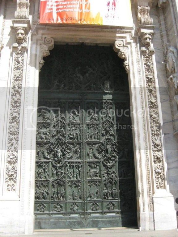 Grand Bronze Door with exquisite sculpting. One of the largest bronze doors that ever existed? photo 532167_10151092559116209_809119721_n.jpg