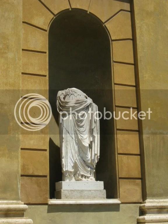 Headless Statue D: photo 531290_10151099486786209_859092092_n.jpg