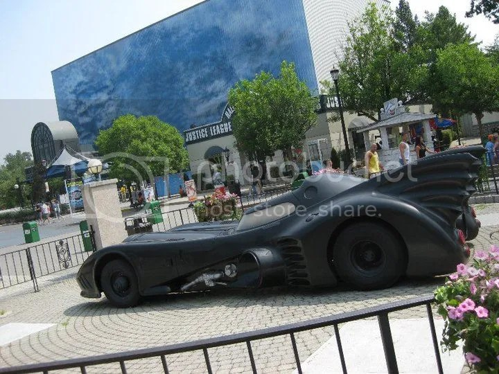 batman's car.. looks like something jay chou would wish to collect. photo 35414_458608201208_406994_n.jpg