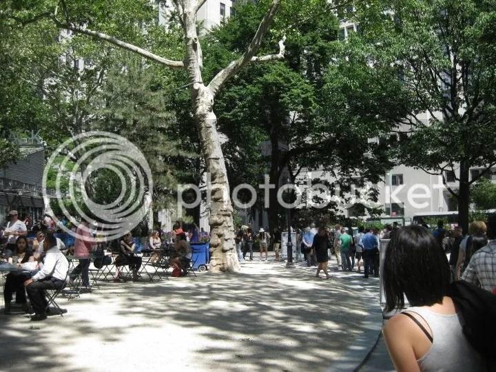 the long queue of shake shack! photo 29845_443853646208_634895_n.jpg