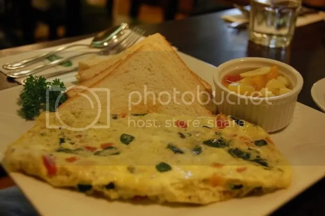 Conti's_malunggay omelette with toast
