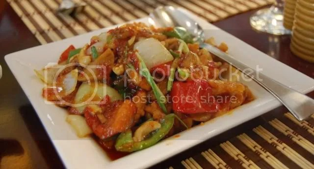 8 Spices_Chicken with Cashew Nuts